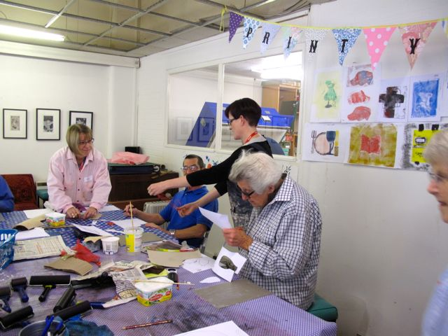 KAB Medway Art Group wk 2 Wendy Daws Tactile Timeline at Intra, photos Wendy Daws - 10